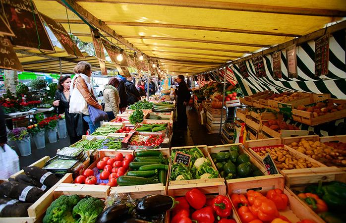 Pak voordeelprijzen op Le Marché de Belleville voedselmarkt in Parijs
