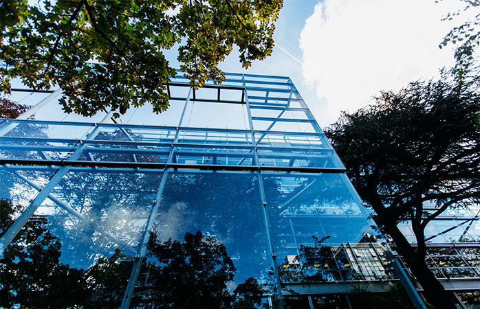 9-fondation-cartier-hedendaagse-kunst-bezienswaardigheden-in-Parijs