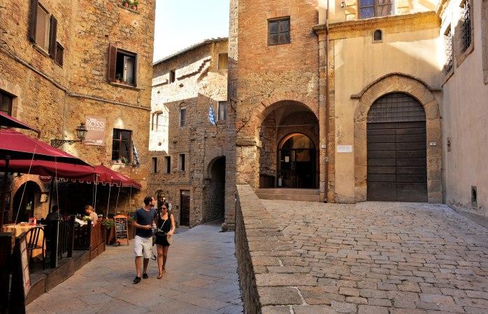 Zin in een romantische wandeling in Volterra?