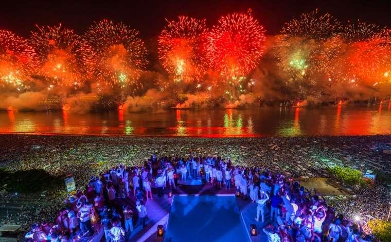 Waar Oud & Nieuw 2018-2019 vieren? De beste vliegtickets & reisaanbiedingen