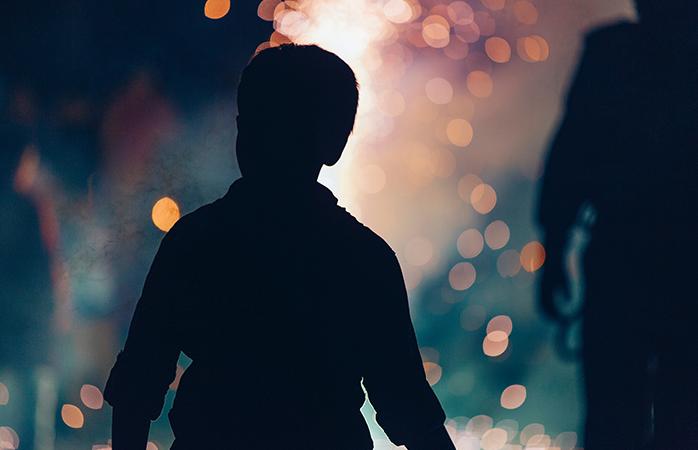 Bereid je samen met je kids, vrienden of geliefde voor op een sprookjesachtige oudejaarsavond in de Efteling, vol met twinkelende lichtjes, spannende attracties en allerlei entertainment.