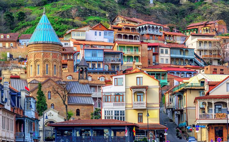 Georgië is de place to be: of je nu een fanatieke wandelaar bent, interesse hebt in eeuwenoude kloosters of van goed eten en drinken houdt.