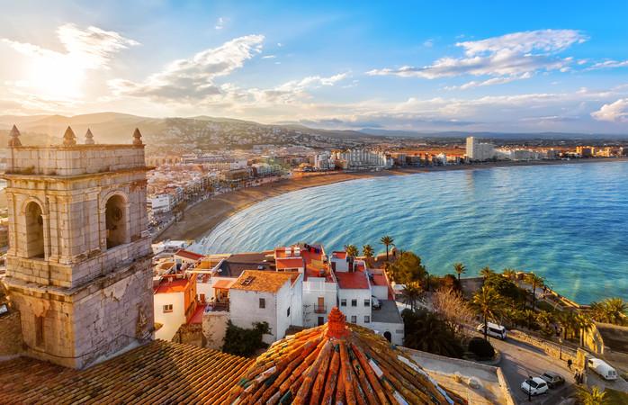 Valencia is niet alleen een romantische stad om te bezoeken, maar kan ook nog een aangename temperatuur hebben in februari.