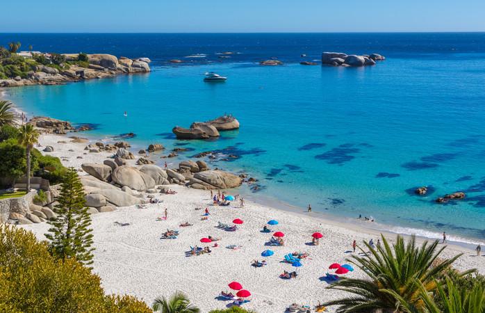 In maart is de wind nog steeds offshore, dus ook voor golfsurfers is Kaapstad de ideale bestemming.
